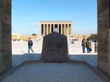 Anıtkabir - İsmet İnönü