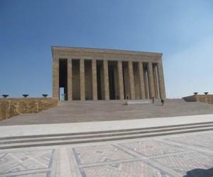 Anıtkabir Nedir? Anıtkabir Ne Zaman Yapıldı? Anıtkabir Nasıl Yapıldı? Anıtkabir'in Tarihi ve Özellikleri