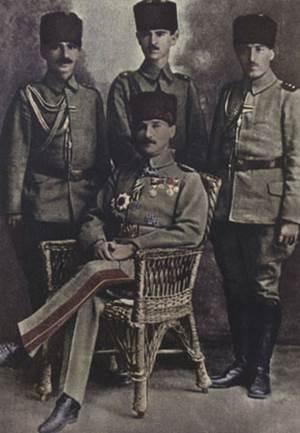 Atatürk ve Şükrü Tezer