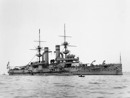 Canakkale Savaşı - Triumph Savaş Gemisi
