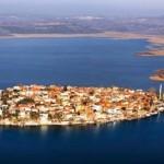 Göllerdeki Adalar